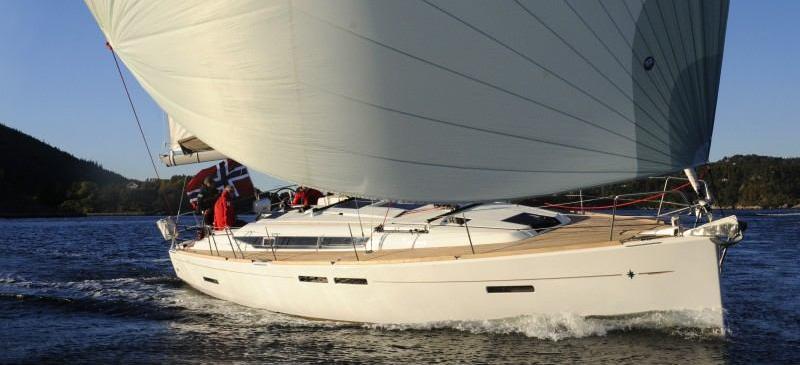 парусная лодка Сун Одыссеы 409