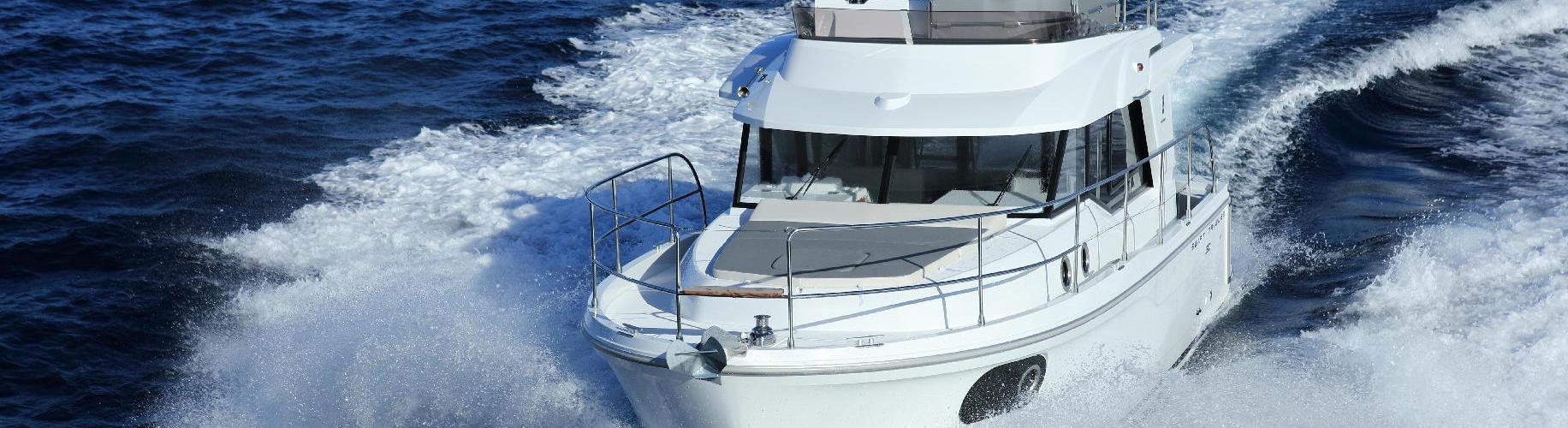моторная лодка Swift Trawler 30