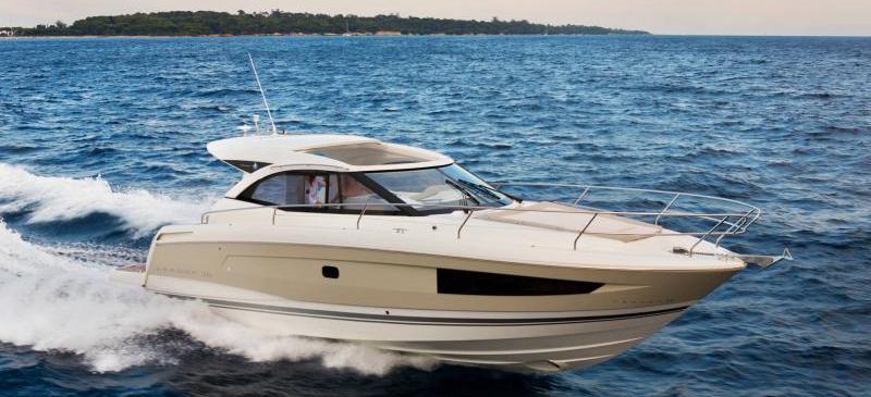 моторная лодка Леадер 36