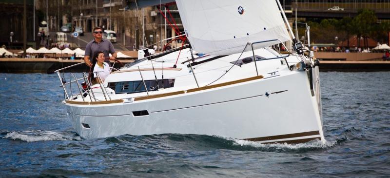 парусная лодка Сун Одыссеы 379