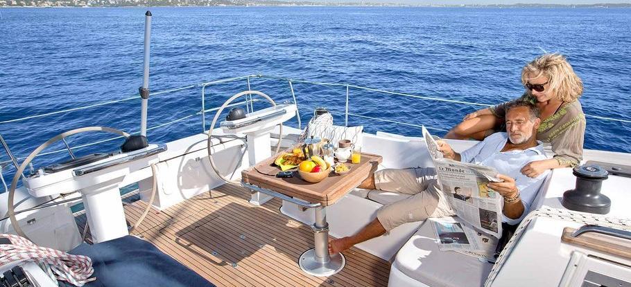 парусная лодка Bavaria Vision 42