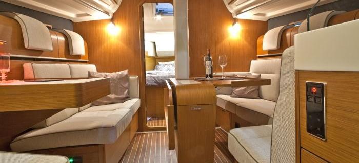 парусная лодка Дехлер 38
