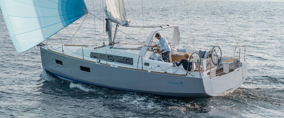 парусная лодка Оцеанис 38