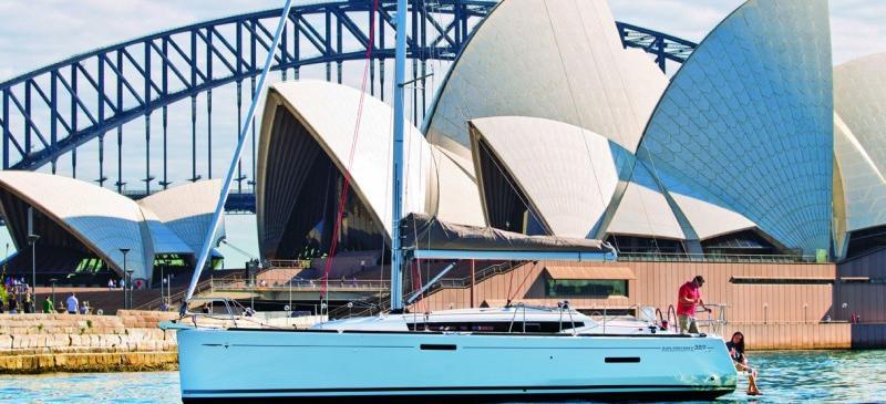 парусная лодка Сун Одыссеы 389