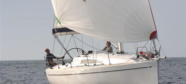 парусная лодка Елан 340