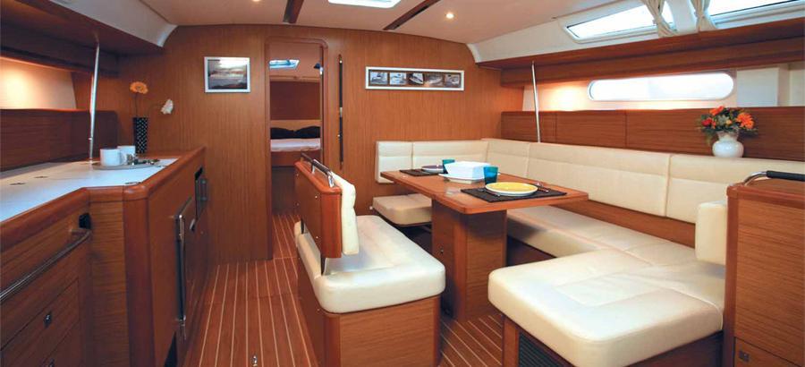 парусная лодка Сун Одыссеы 49и