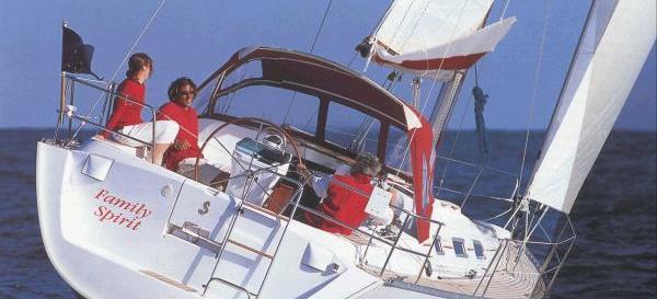парусная лодка Оцеанис 393