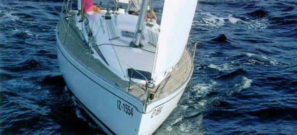 парусная лодка Елан 333